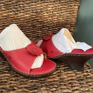 Red Leather BORN WEDGE MULE NWOB Sz.9